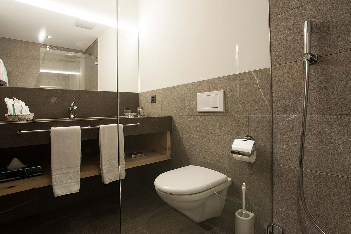 Hotel Albris Badezimmer